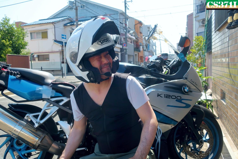 ツーリング楽しい!ツーリング行きたい!そう思えるのは、人間エアコンがあるから!ヘルメット1個分の価格で人間エアコンが手に入る時代になりました。